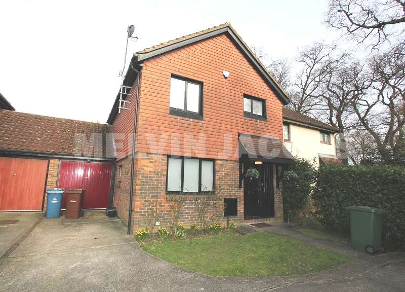 3 Bedrooms Link Detached House for sale in Talman Grove, Stanmore, Greater London. HA7 4UQ