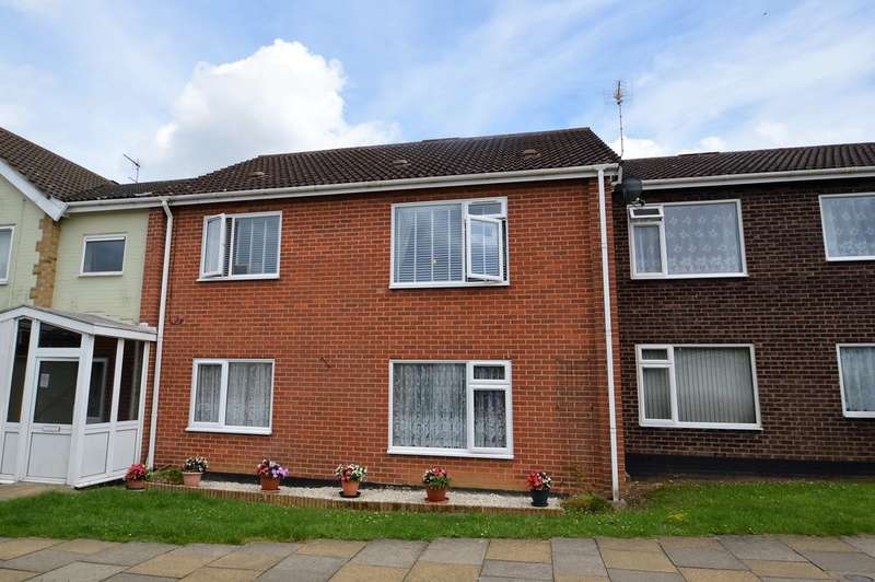 2 Bedrooms Flat for sale in Hobart Road, Loddon, Norwich