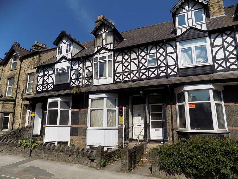 4 Bedrooms Terraced House for sale in Dale Road, Buxton