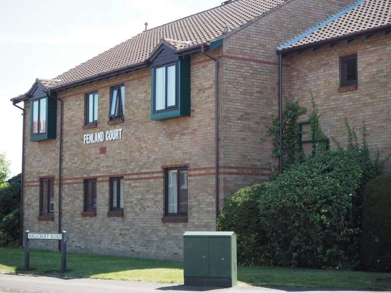 2 Bedrooms Flat for sale in Fenland Court, Whittlesey, PE7