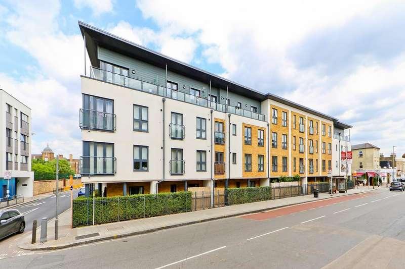 3 Bedrooms Terraced House for sale in Eswyn Road, London SW17