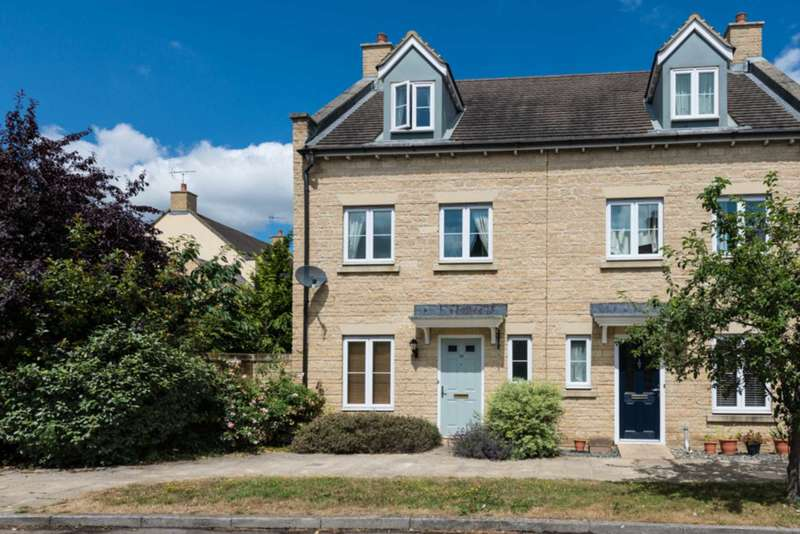 3 Bedrooms Semi Detached House for sale in Ashdale Avenue, Witney