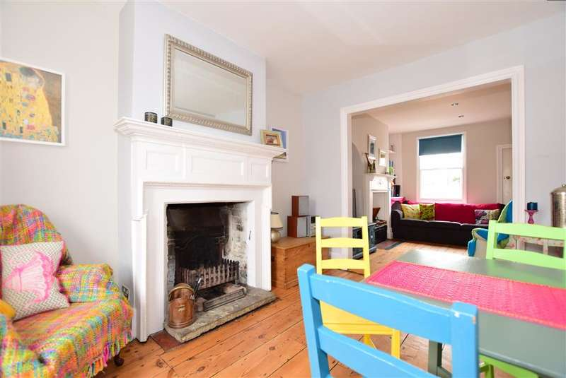 2 Bedrooms Terraced House for sale in Borstal Hill, Whitstable, Kent