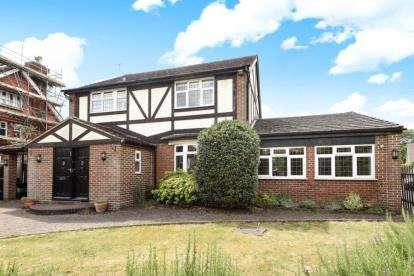 3 Bedrooms Detached House for sale in Heathfield Road, Keston