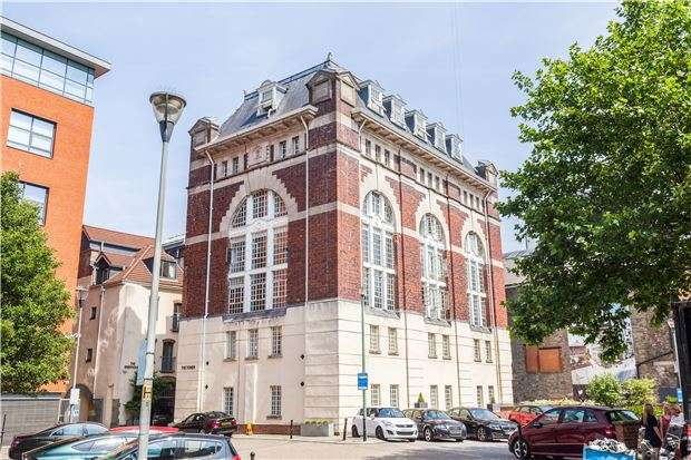 2 Bedrooms Flat for sale in Georges Square, Redcliffe, BRISTOL, BS1 6LB