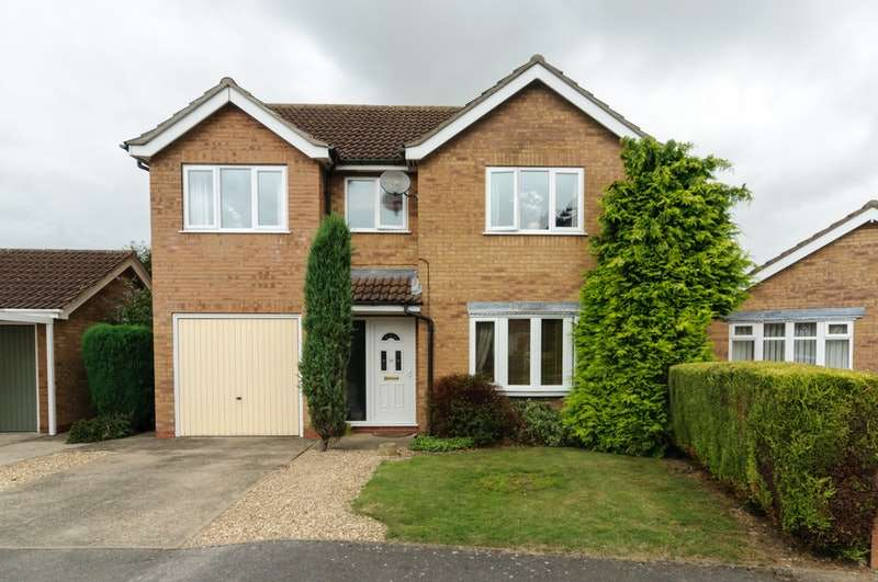 3 Bedrooms Detached House for sale in Hastings Drive, Wainfleet, Lincolnshire, PE24