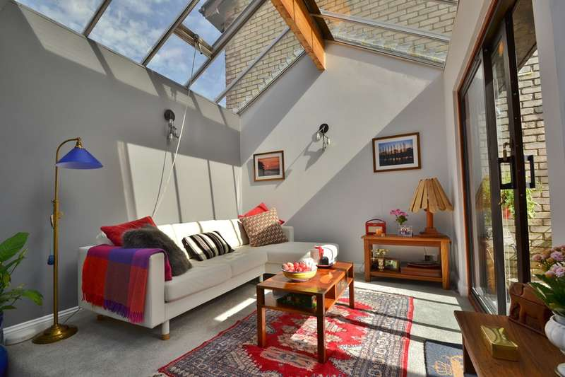 2 Bedrooms Terraced House for sale in Westbourne