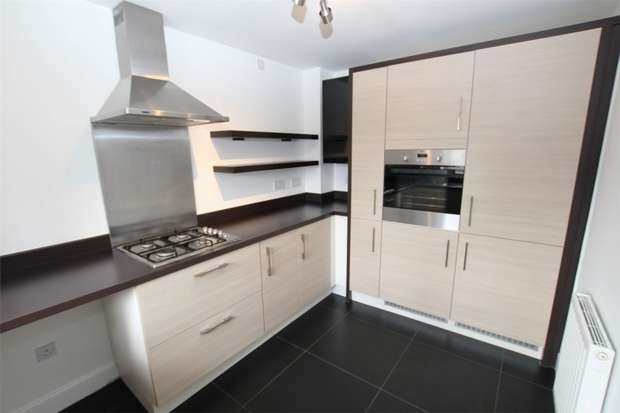 3 Bedrooms Semi Detached House for sale in Thomaston Court, Newcastle upon Tyne, Tyne and Wear