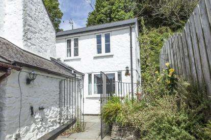 2 Bedrooms End Of Terrace House for sale in Chacewater, Truro, Cornwall