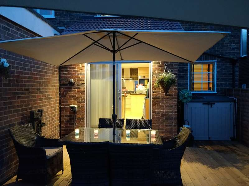 3 Bedrooms Semi Detached House for sale in Prices Lane, Reigate