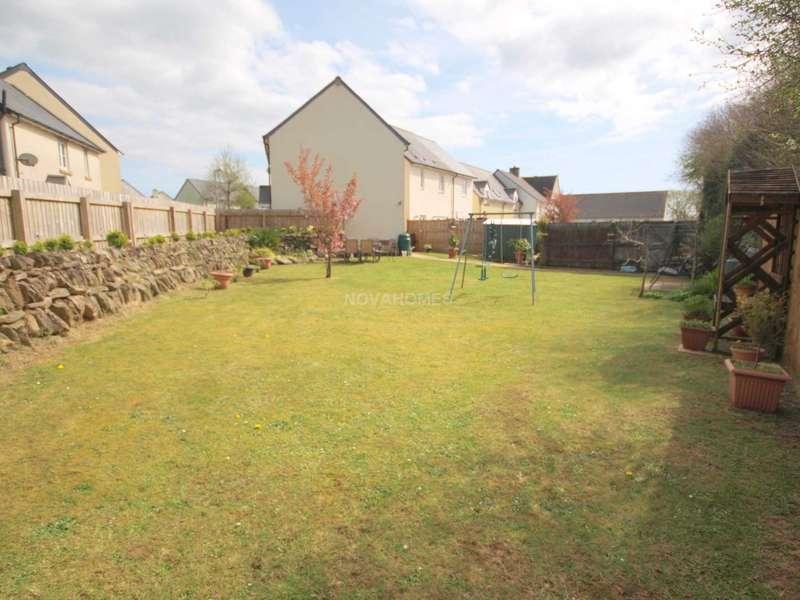 3 Bedrooms Semi Detached House for sale in Callington, PL17