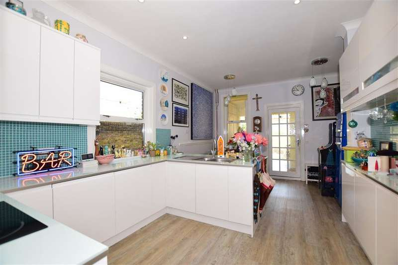 4 Bedrooms Semi Detached House for sale in St. Lukes Road, Maidstone, Kent