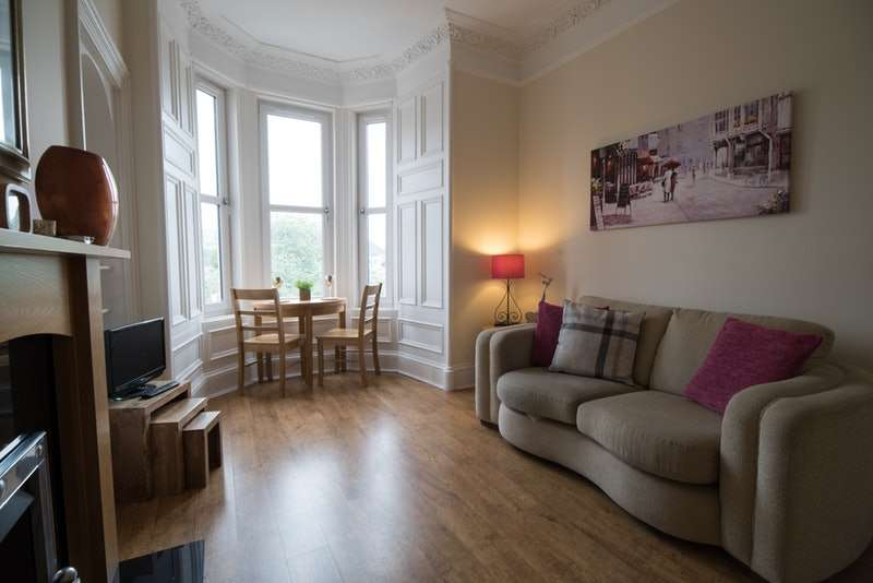 2 Bedrooms Flat for sale in Dalziel Place, Edinburgh, Midlothian, EH7