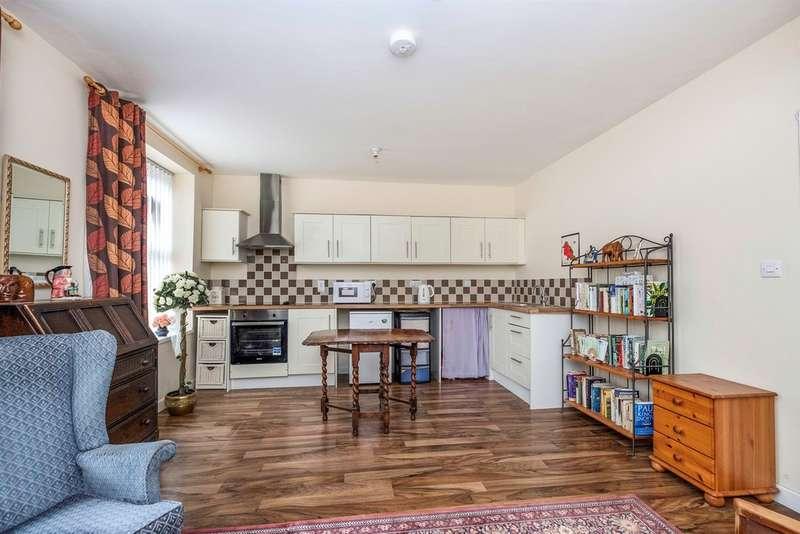 2 Bedrooms Ground Flat for sale in New Road, Skewen, Neath