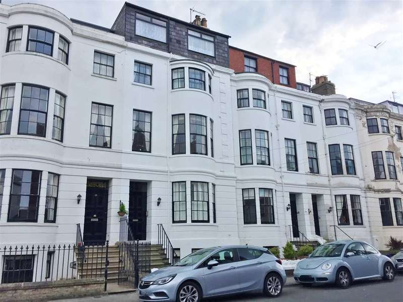 2 Bedrooms Apartment Flat for sale in NEW - Rutland Street, Filey