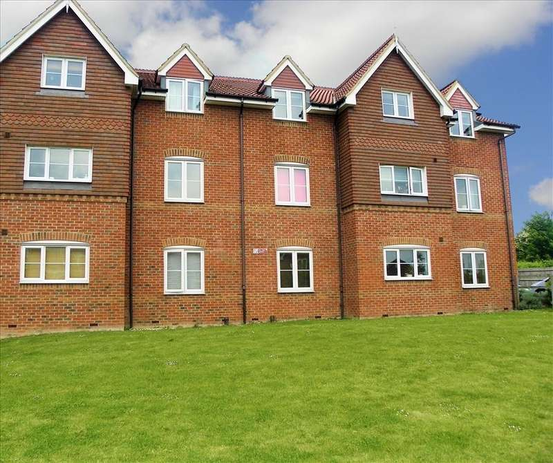 1 Bedroom Flat for sale in Fuchsia Grove, Shinfield, Reading, RG2