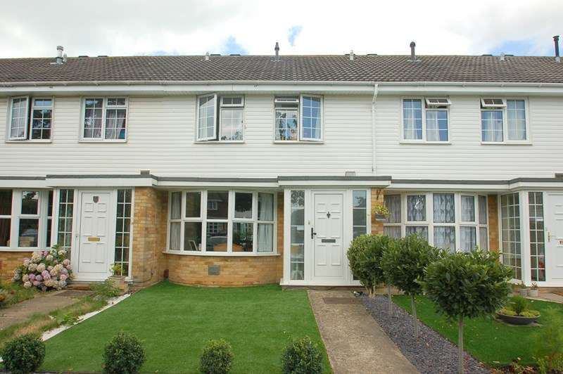 3 Bedrooms Terraced House for sale in Saville Close, Alverstoke, GOSPORT