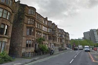 3 Bedrooms Flat for rent in Highburgh Road, Hillhead