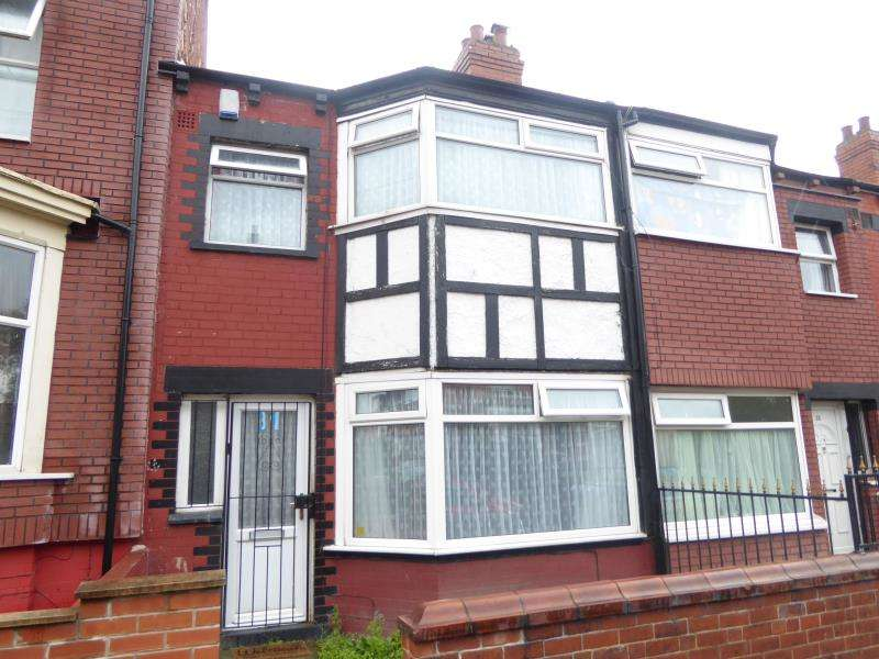 3 Bedrooms Terraced House for sale in Nowell Crescent, Harehills, LS9