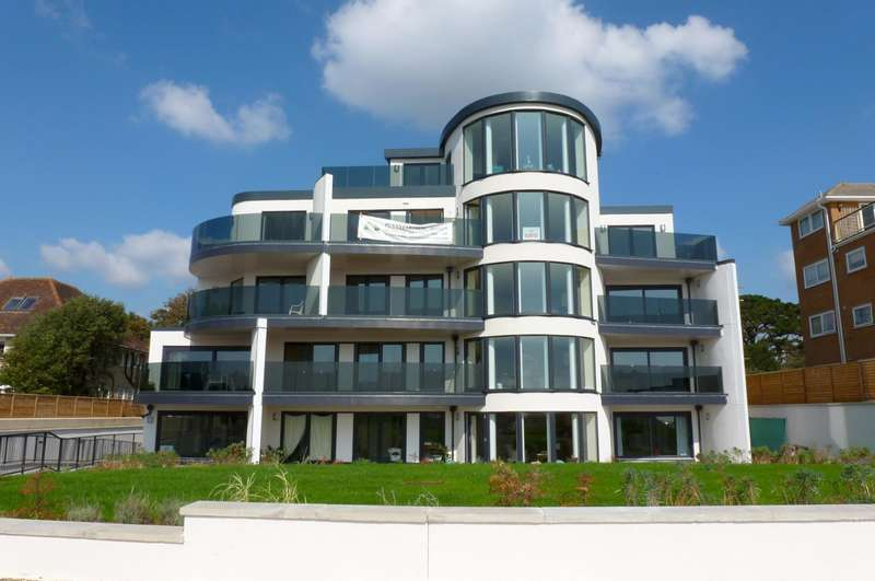3 Bedrooms Flat for rent in The Quarterdeck, Boscombe Overcliff Drive, Bournemouth