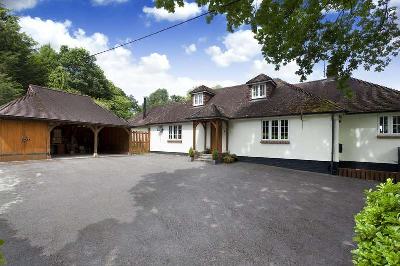 5 Bedrooms Detached House for sale in Petworth Road, Wisborough Green