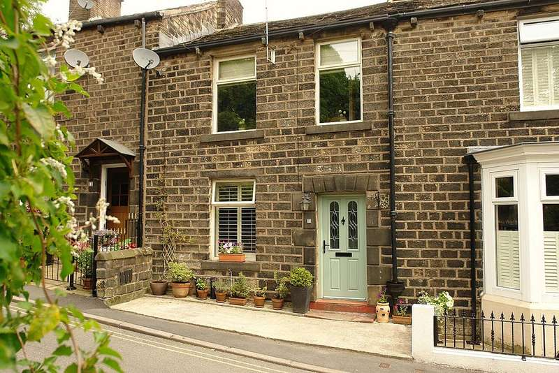 3 Bedrooms Cottage House for sale in Moorgate Street, Uppermill, Saddleworth