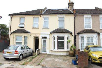 4 Bedrooms House for sale in Redbridge, Essex