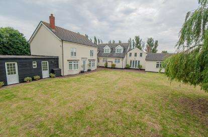 5 Bedrooms Detached House for sale in Old Main Road, Old Leake, Boston, Lincolnshire
