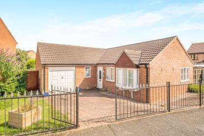 3 Bedrooms Bungalow for sale in Charingworth Road, Oakwood, Derby, Derbyshire