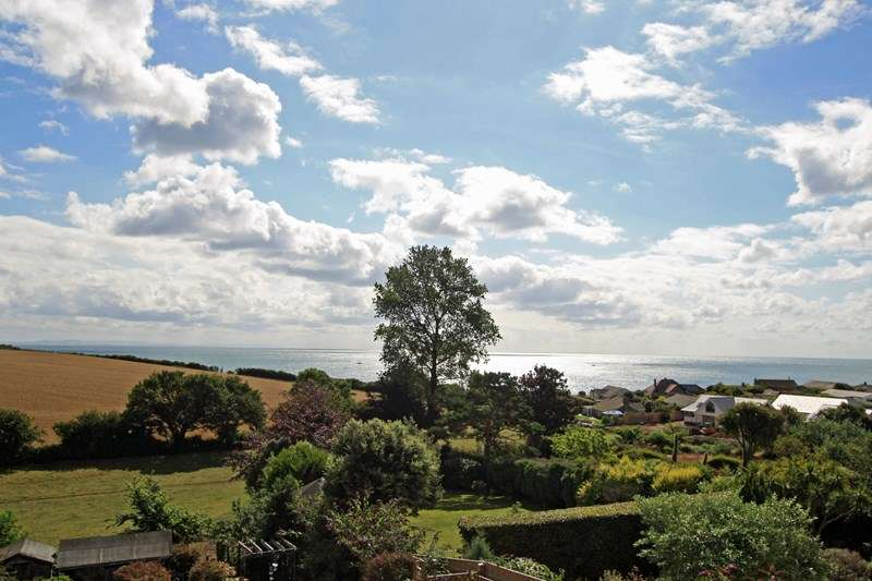 5 Bedrooms Detached House for sale in Bay Crescent, Swanage