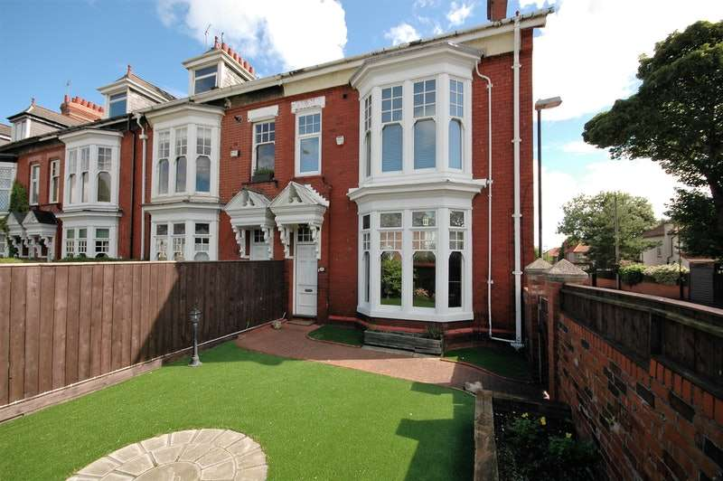 5 Bedrooms End Of Terrace House for sale in Rowlandson Terrace, Sunderland, Tyne and Wear, SR2