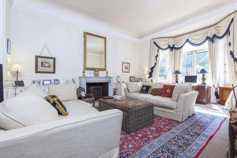 2 Bedrooms Flat for sale in Strathray Gardens, Belsize Park