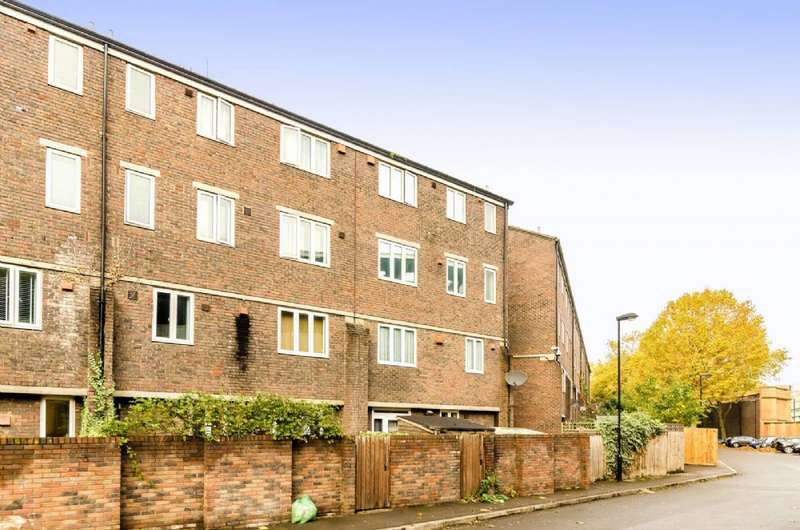 3 Bedrooms Flat for sale in Cooper Lane, London NW1