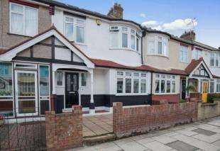 5 Bedrooms Terraced House for sale in Woodfield Avenue, Gravesend, Kent