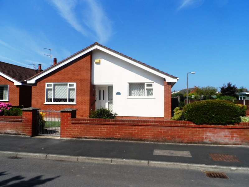 2 Bedrooms Detached Bungalow for sale in Hackensall Road, Knott End on Sea, FY6 0AY