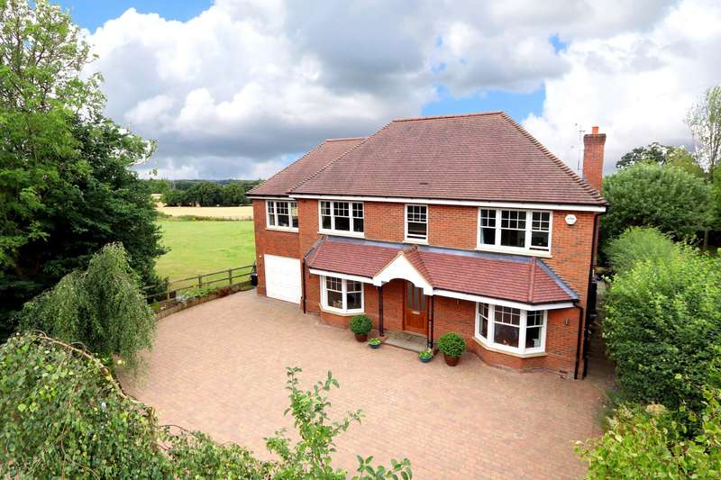 6 Bedrooms Detached House for sale in Magpie Lane, Coleshill, HP7