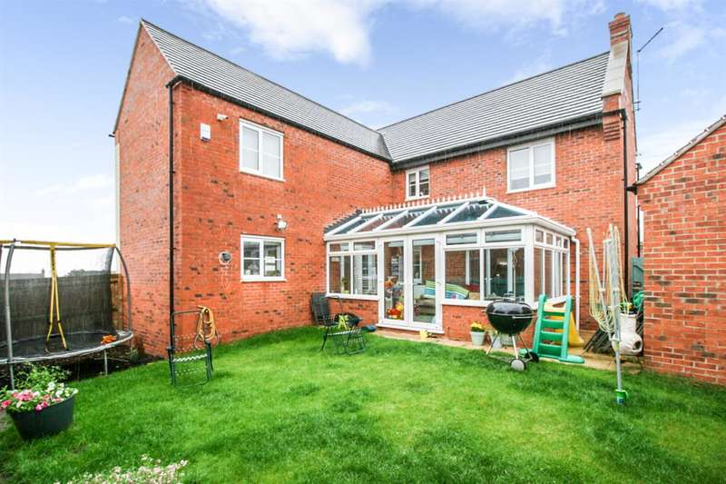 4 Bedrooms Detached House for sale in Kevin Wood Close, Leicester