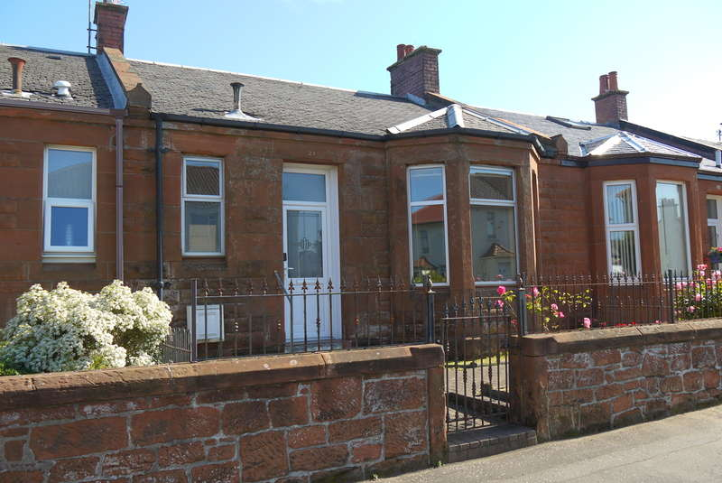 2 Bedrooms Terraced Bungalow for sale in Marchfield Road, Ayr, KA8