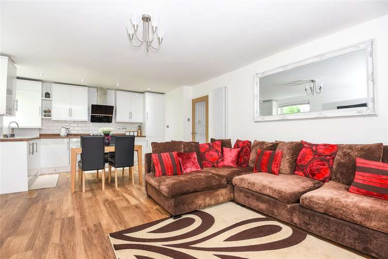 3 Bedrooms Apartment Flat for sale in Mead Place, Berry Lane, Rickmansworth, Hertfordshire, WD3