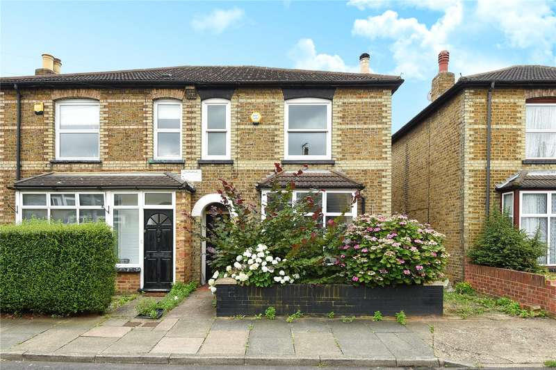 3 Bedrooms Semi Detached House for sale in Edgar Road, West Drayton, Middlesex, UB7