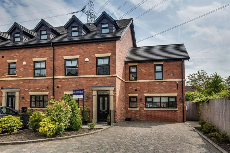 5 Bedrooms Town House for sale in Stablefold, Worsley, Manchester, M28 2ED