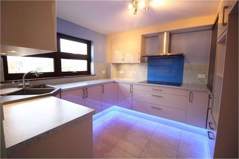 2 Bedrooms Flat for sale in Longbridge Estate, Ponthir, Newport, NP18