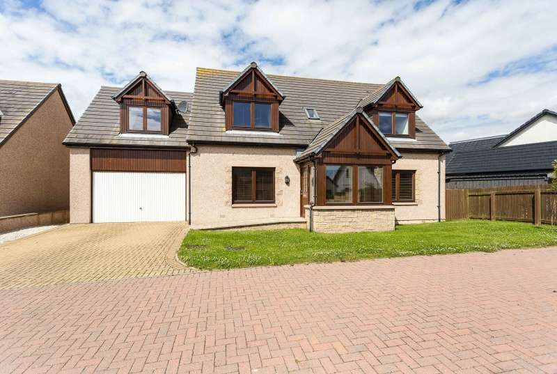 5 Bedrooms Detached House for sale in Brae View, Gourdon, Montrose, Angus, DD10 0NN