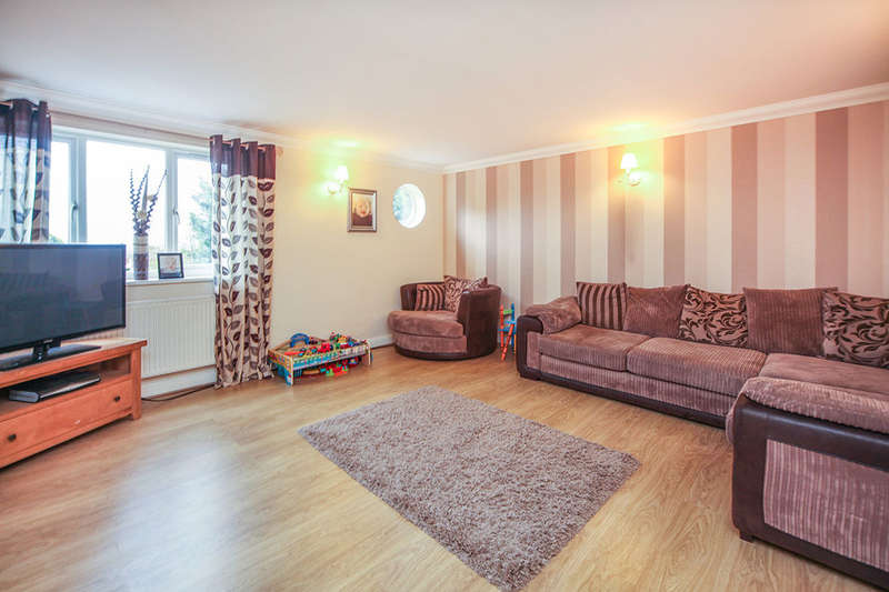 2 Bedrooms Flat for sale in Mayfield Road, Worcester, WR3