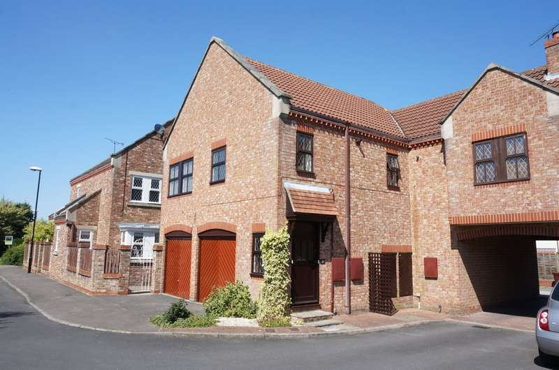 2 Bedrooms Flat for sale in Burns Way, Clifford, LS23