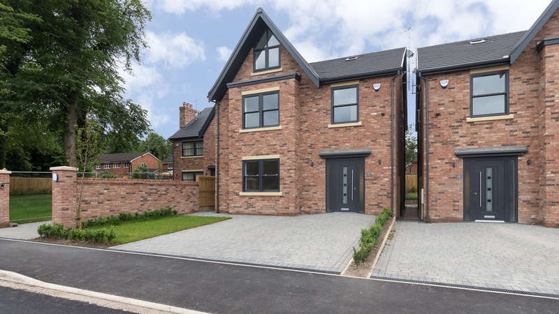 5 Bedrooms Detached House for sale in Valley Road, Heaton Mersey, Stockport