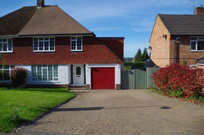 4 Bedrooms Semi Detached House for sale in Goddington Road, Bourne End, Buckinghamshire, SL8
