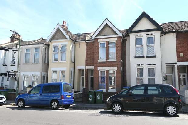 5 Bedrooms House for rent in Denzil Avenue, Southampton (Furnished)