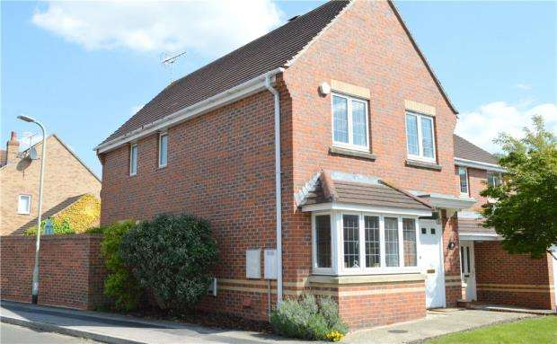 3 Bedrooms Detached House for sale in Deardon Way, Shinfield, Reading