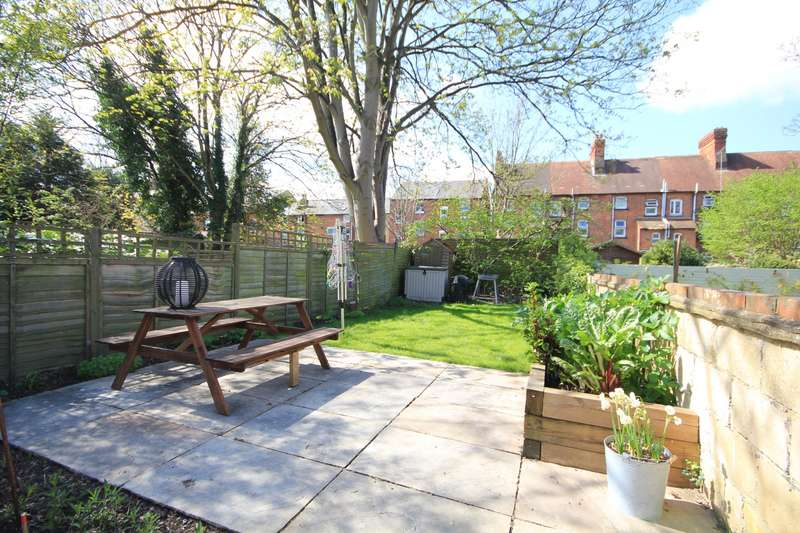 2 Bedrooms Apartment Flat for sale in Zinzan Street, Reading, RG1